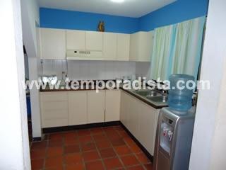 Conjunto residencial el retiro apartamentos en margarita for Piscina 6500 litros